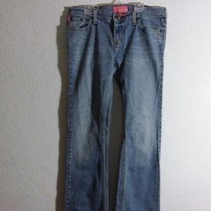 W34 x L32 slightly distressed jeans
